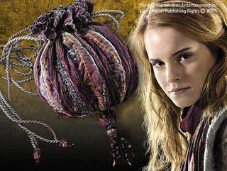 Hermione_bag-harrypotterwikiacomwiki